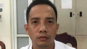 Tai nạn giao thông sáng 18/9: Khởi tố lái xe vượt đèn đỏ, đánh CSGT Hà Nội