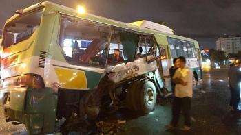 Tai nạn giao thông sáng 19/9: Xe tải tông xe buýt khiến 20 nhập viện cấp cứu trong đêm