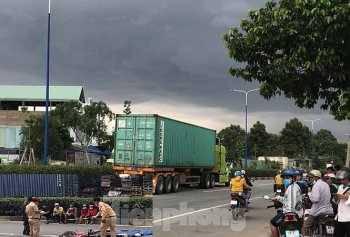 Tai nạn giao thông chiều 20/9: Va chạm với xe container, hai người đàn ông chết tại chỗ