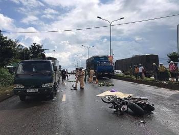 Tai nạn giao thông sáng 23/9: Nữ nhân viên tạp vụ bị xe tải cán tử vong thương tâm trong đêm
