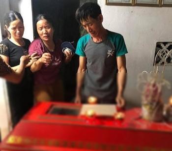 Hà Nội: Một thanh niên bị sét đánh tử vong trong khi dùng điện thoại đang sạc pin