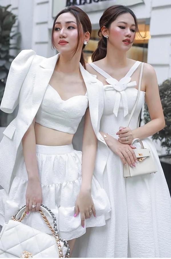 Những cặp chị em ruột là Hoa hậu - Á hậu đình đám trong showbiz Việt