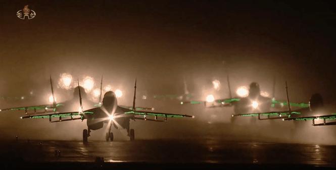 Video: Cảnh hoành tráng của dàn tiêm kích