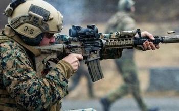 Video: Thủy quân lục chiến Mỹ diễn tập đột kích trong đêm tối