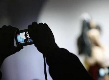 Thông tin pháp luật sáng 21/10: Bắt khẩn cấp đối tượng ép bé gái 12 tuổi tự quay và gửi video 'nhạy cảm'
