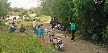 Thông tin pháp luật chiều 22/10: Đang chèo xuồng, tá hỏa phát hiện thi thể nam giới trên sông Lu