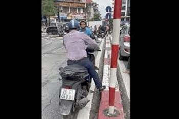 """Camera giao thông: Tài xế SH chạy ngược chiều, quyết không """"nhường"""" cho xe lưu thông đúng đường"""