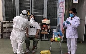 Chuyên gia Hàn nghi dương tính Covid-19, 345 người tại TP HCM nằm trong diện phải giám sát