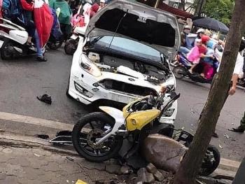 Tai nạn giao thông sáng 29/10: Ô tô