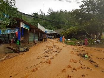 Sạt lở vùi lấp hơn 50 người ở Quảng Nam: Tìm được 11 thi thể, tiếp tục chia 2 cánh quân để tìm kiếm cứu nạn