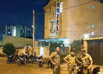 Thông tin pháp luật sáng 30/10: Một phụ nữ bị siết cổ tử vong, cướp tài sản trong khách sạn ở Sài Gòn
