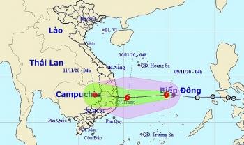 Bão Etau mạnh lên, bốn tỉnh từ Bình Định đến Ninh Thuận sơ tán dân khỏi khu vực nguy hiểm