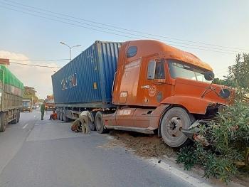 Tai nạn giao thông chiều 18/11: Xe container
