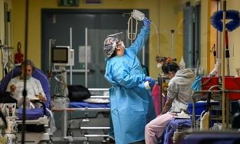 WHO cảnh báo về sóng lây nhiễm Covid-19 thứ ba sẽ bùng phát ở châu Âu vào đầu năm 2021