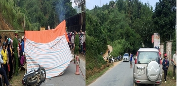 Tai nạn giao thông sáng 25/11: Ford Everest va chạm với xe máy khiến 2 người tử vong thương tâm