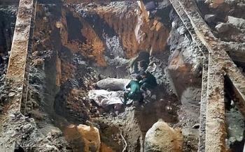 Vụ phát hiện bom tại Cửa Bắc: Đề nghị người dân không dùng điện thoại trong bán kính 200m