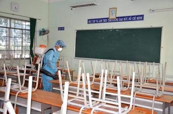 Cô giáo tiếp xúc bệnh nhân COVID-19, 2.000 học sinh TP.HCM nghỉ học để thực hiện phòng dịch