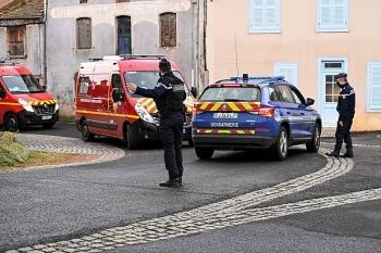 Giải cứu nạn nhân bị bạn tình đánh đập, 3 cảnh sát Pháp bị thiệt mạng