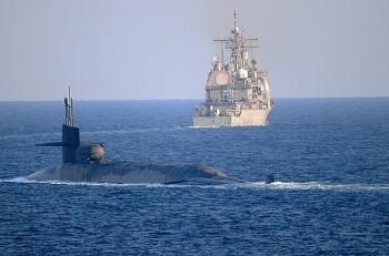 Tàu ngầm hạt nhân USS Georgia cùng loạt tàu chiến bất ngờ qua eo biển Hormuz
