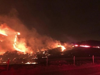 Căn cứ quân sự Mỹ gặp hỏa hoạn kinh hoàng trong đêm, 7.000 người sơ tán khẩn cấp
