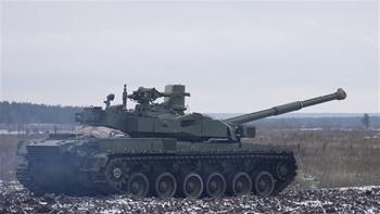 Báo Nga khẳng định Ukraine điều hàng chục xe xăng vượt giới tuyến tiến vào Lugansk