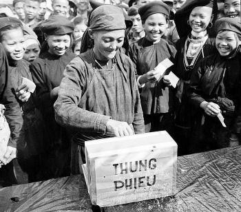 Ảnh: 75 năm Ngày Tổng Tuyển cử đầu tiên bầu Quốc hội Việt Nam