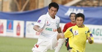 """Lee Nguyễn quay lại V-League: """"Mãnh hổ"""" về rừng hay Đại bàng về... hưu?"""