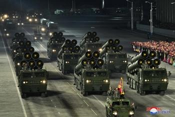 Cận cảnh dàn 'vũ khí mạnh nhất thế giới' của Triều Tiên
