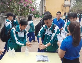 Trường THPT đầu tiên ở Hà Nội cho học sinh nghỉ học Covid-19