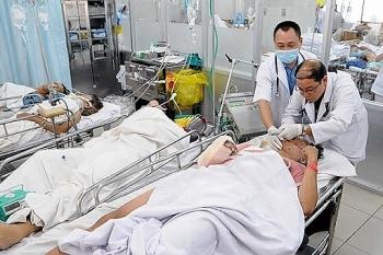 Bệnh viện Chợ Rẫy cấp cứu nhiều bệnh nhân nguy kịch vì pháo nổ
