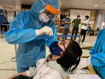 Hà Nội khẩn cấp đề nghị người ho, sốt làm xét nghiệm để sàng lọc COVID-19