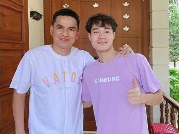 Tin tức bóng đá Việt Nam ngày 2/3: Văn Toàn 'dụ' HLV Kiatisak mua áo