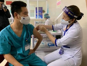 Bộ Y tế: Cố gắng hết sức để có vaccine ngừa COVID-19 sớm nhất