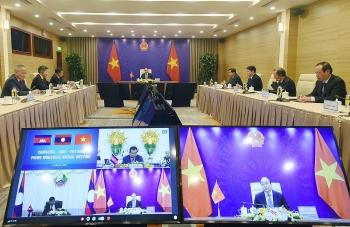 Hội đàm giữa Thủ tướng Việt Nam - Lào - Campuchia