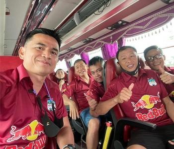 Tin tức bóng đá Việt Nam ngày 31/3: HLV Kiatisak bị chặn lại sân bay khi hành quân đến Hải Phòng