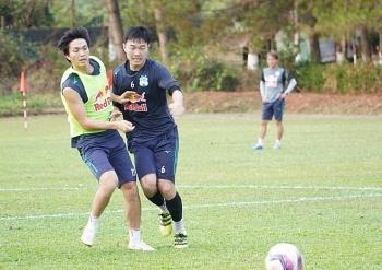 Tin tức bóng đá Việt Nam ngày 11/4: HLV Kiatisak nhận tin cực vui từ Tuấn Anh