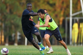 Tin tức bóng đá Việt Nam ngày 15/4: Tuấn Anh sẵn sàng ra sân đấu Hà Nội FC