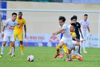 Kết quả, Bảng xếp hạng V-League 2021 (28/4): Thắng Thanh Hóa, HAGL bỏ xa Viettel