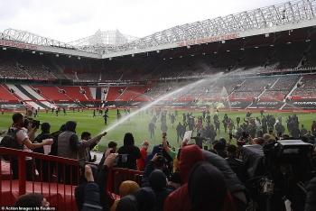 Trận MU vs Liverpool vòng 24 Ngoại hạng Anh đá lại khi nào?