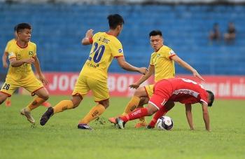 Toàn đội SLNA cách ly tập trung, vòng 13 V-League 2021 hoãn vô thời hạn