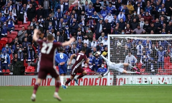 Chelsea dâng cúp FA Cup cho Leicester, dự báo trắng tay cuối mùa giải