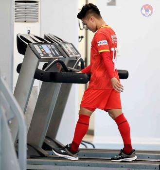Vòng loại World Cup 2022: Quang Hải phải tập riêng