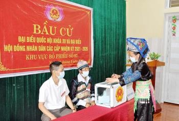 Cử tri 4 huyện vùng cao ở Nghệ An háo hức đi bầu cử sớm