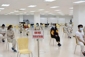 Bộ trưởng Bộ Y tế: TP.HCM và các địa phương phải chặn dịch xâm nhập khu công nghiệp