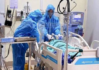 Thêm 4 trường hợp tử vong do COVID-19, 1 ca không có bệnh lý nền