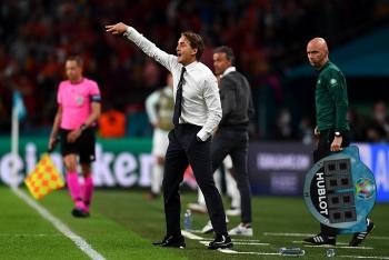 HLV Italia từ chối nhận công lao sau trận thắng Tây Ban Nha