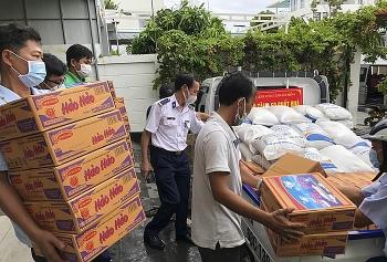 Bộ Tư lệnh Vùng Cảnh sát biển 4 hỗ trợ người dân bị ảnh hưởng bởi COVID-19