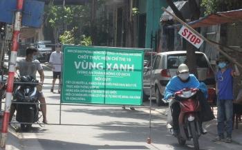 Cận cảnh chốt 'vùng xanh' ngăn dịch ở quận Hoàng Mai - Hà Nội