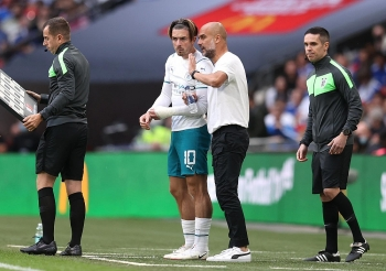 'Bom tấn' ra mắt, Man City vẫn mất Siêu cúp Anh vào tay Leicester