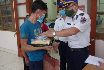 Bộ Tư lệnh Vùng Cảnh sát biển 1 hỗ trợ người dân bị ảnh hưởng bởi dịch COVID-19